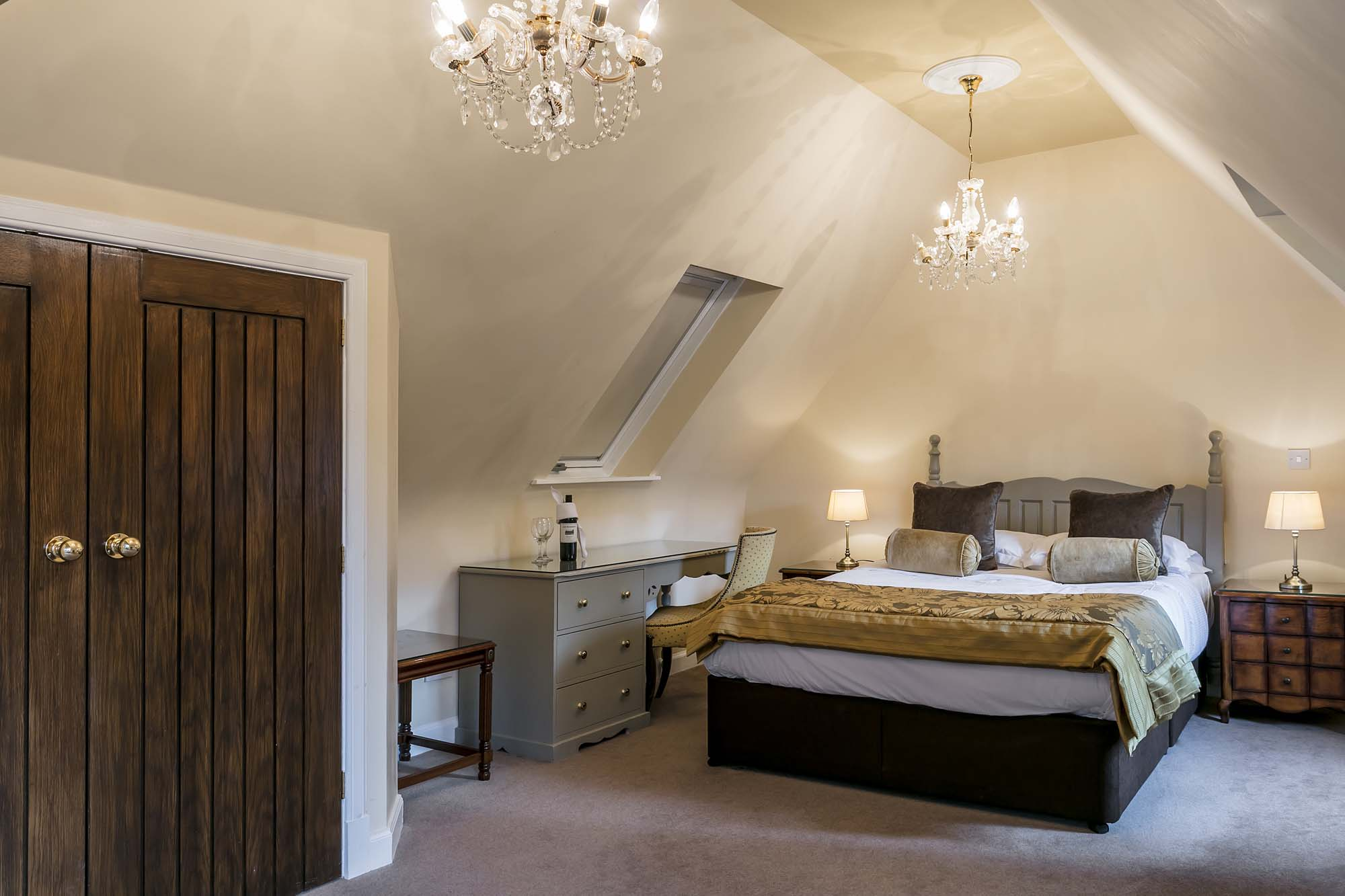 Rooms: Castle Rocks Bedroom